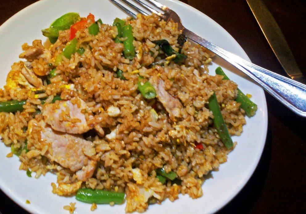 Spicy Basil khao-pad