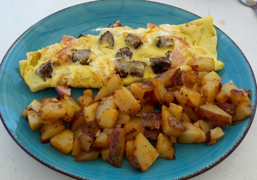 Mushroom omelet and hash browns