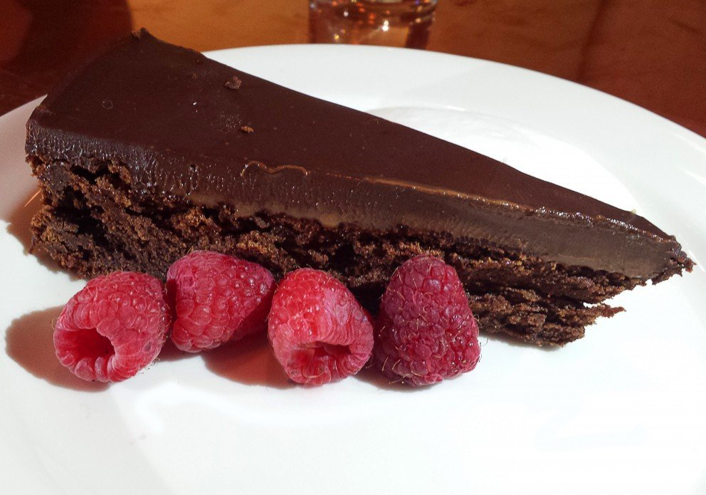 Calories In A Slice Of Flourless Chocolate Cake