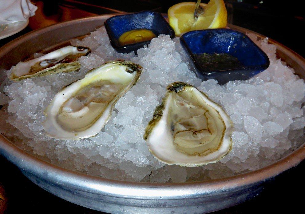 chesapeake & Maine 3 oysters on icecrenh