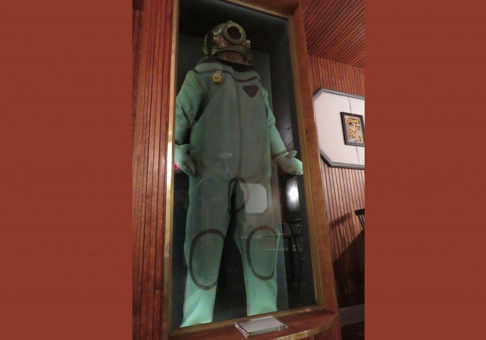 chesapeake maine F&F diving suitcrenh