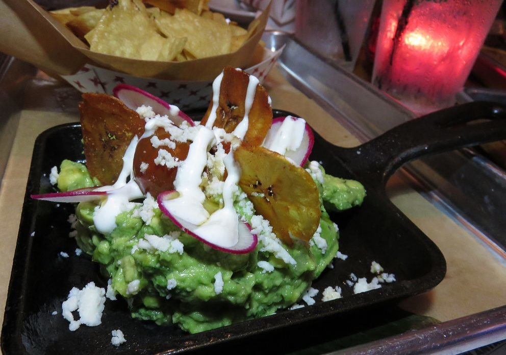 cantina ultima 2 guac plate w plantainscrenhsized