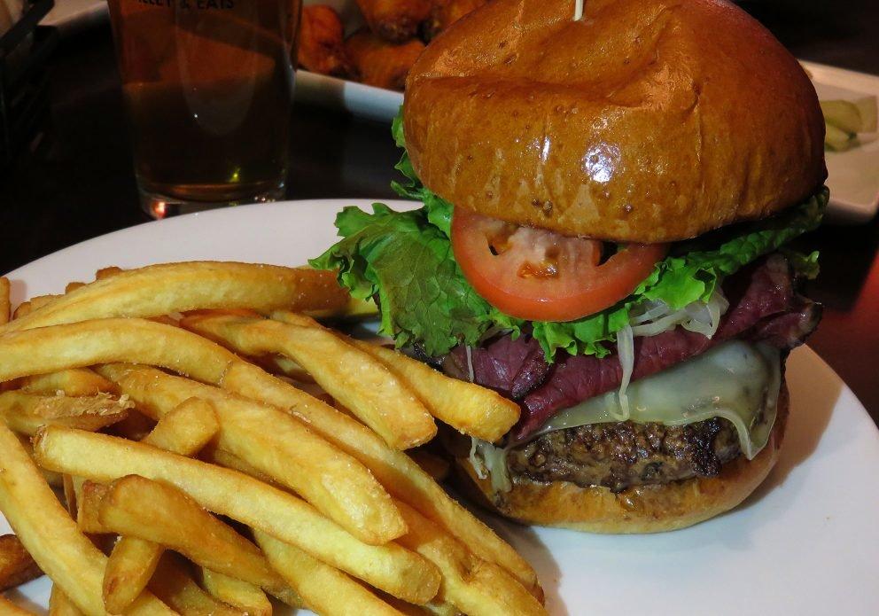 LEFTYS food burgercrenhsized