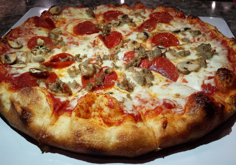 lefty's 4 pizza 2crenhsized