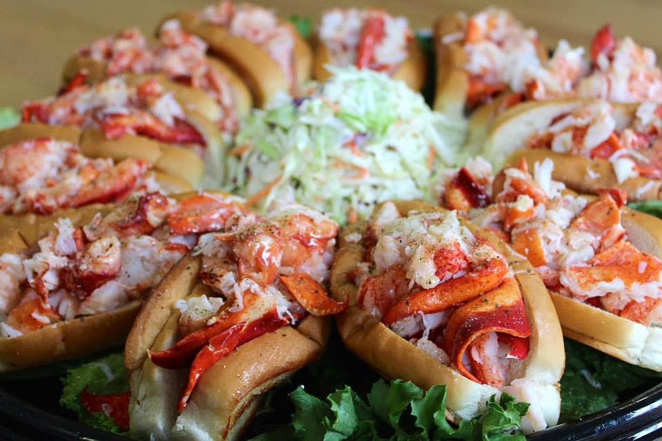 MASON'S famous lobster rolls food pic 2 fbcrenh