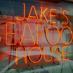 Jakes Downtown Closed